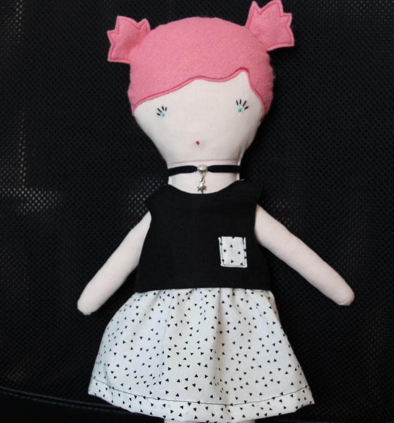 la poupée Louise a été cousue par Lysiane