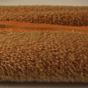 Mohair blond sur toile marron +/- 9mm